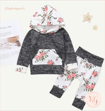Load image into Gallery viewer, Infant Newborn Girls Floral 2 Piece Hoodie Set
