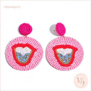 Tongue Embellished Seed Bead Beaded Earrings Pink