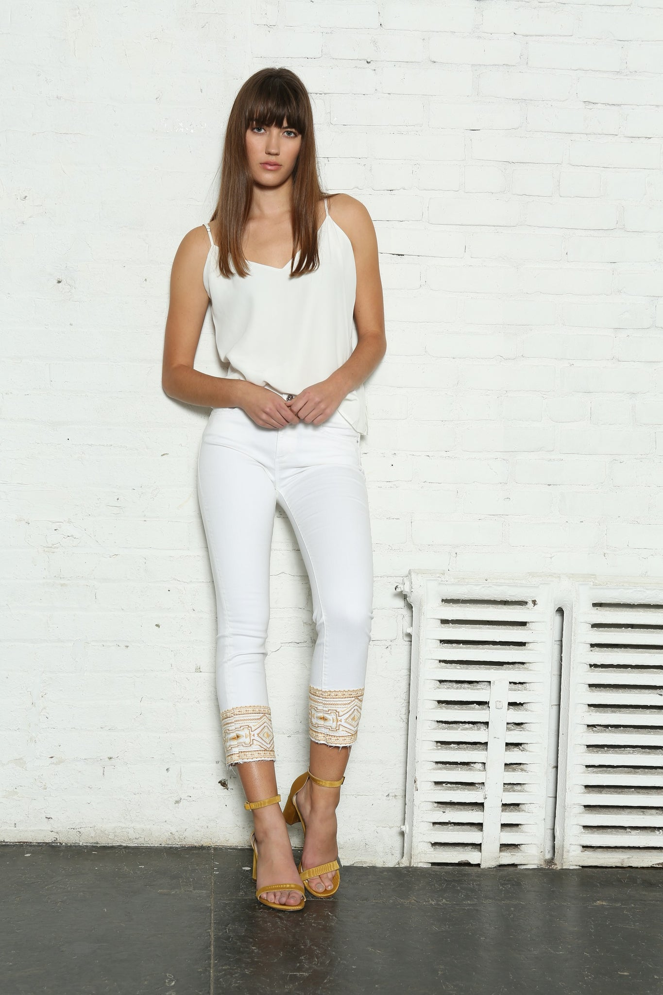 <b>Colette Straight Crop - White Mustang </b>