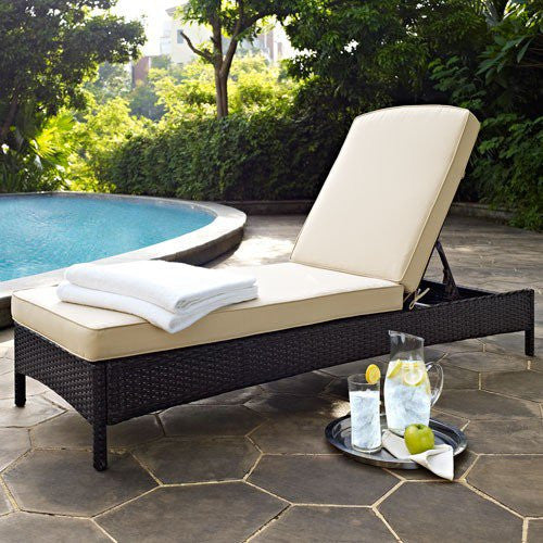 Outdoor Wicker Chaise