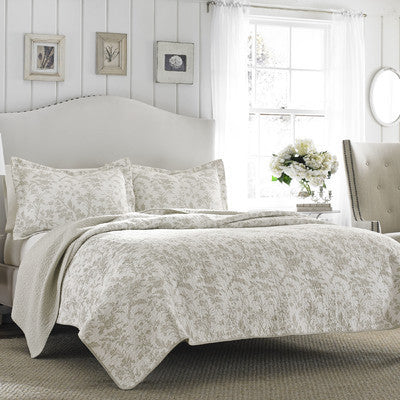 Laura Ashley Reversible Quilt Set King Size
