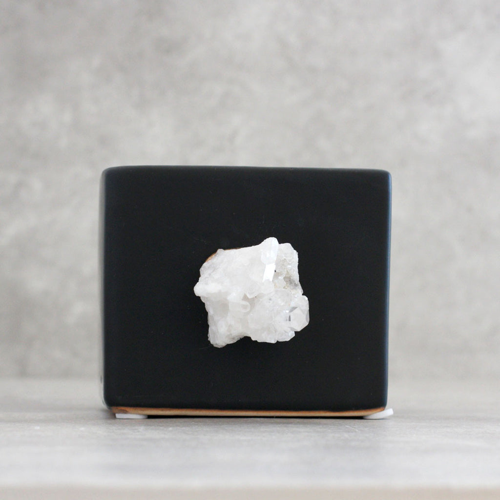 Quartz Cluster Planter Black