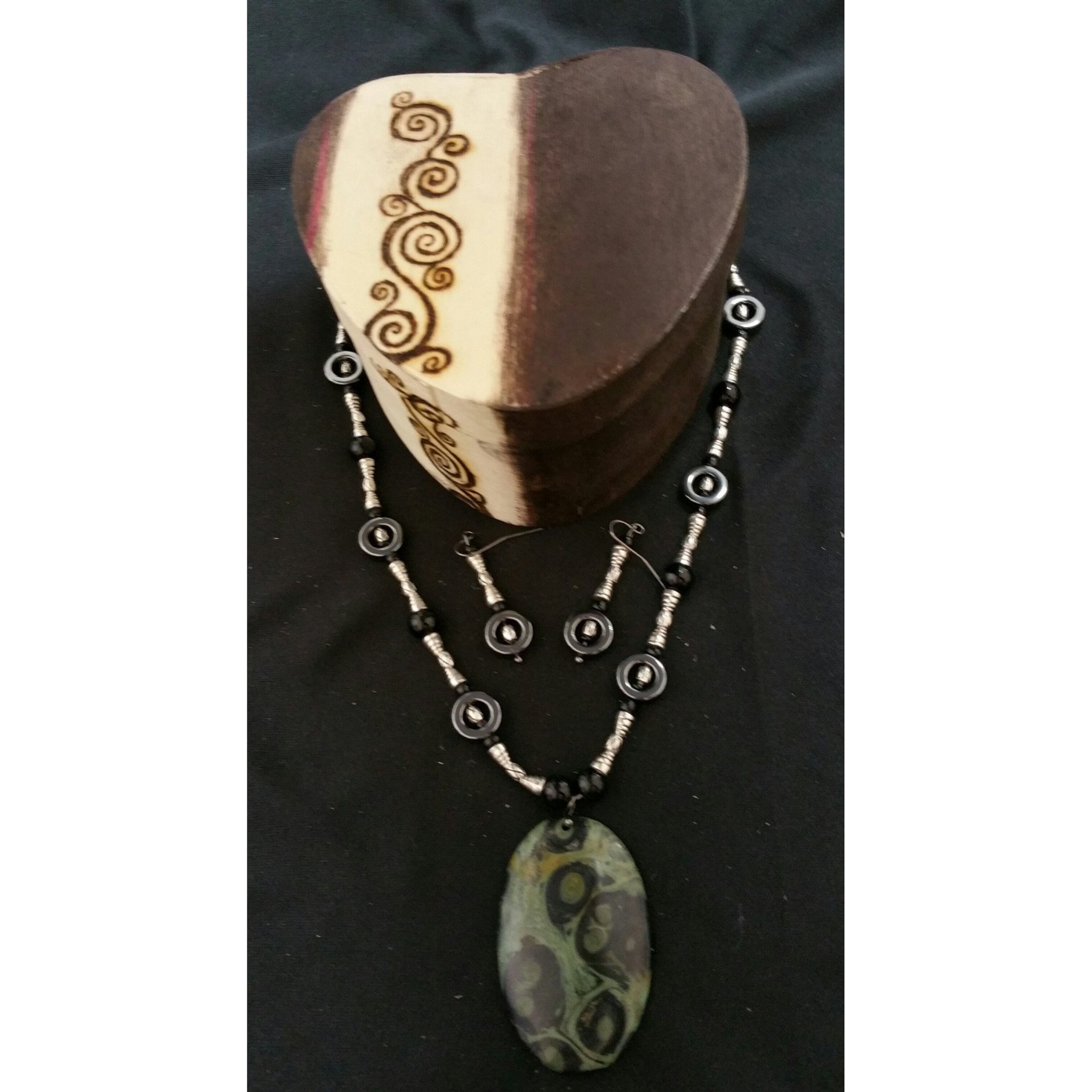 Gift Pack Swirly Kambaba with Glass and Hematite and Silver