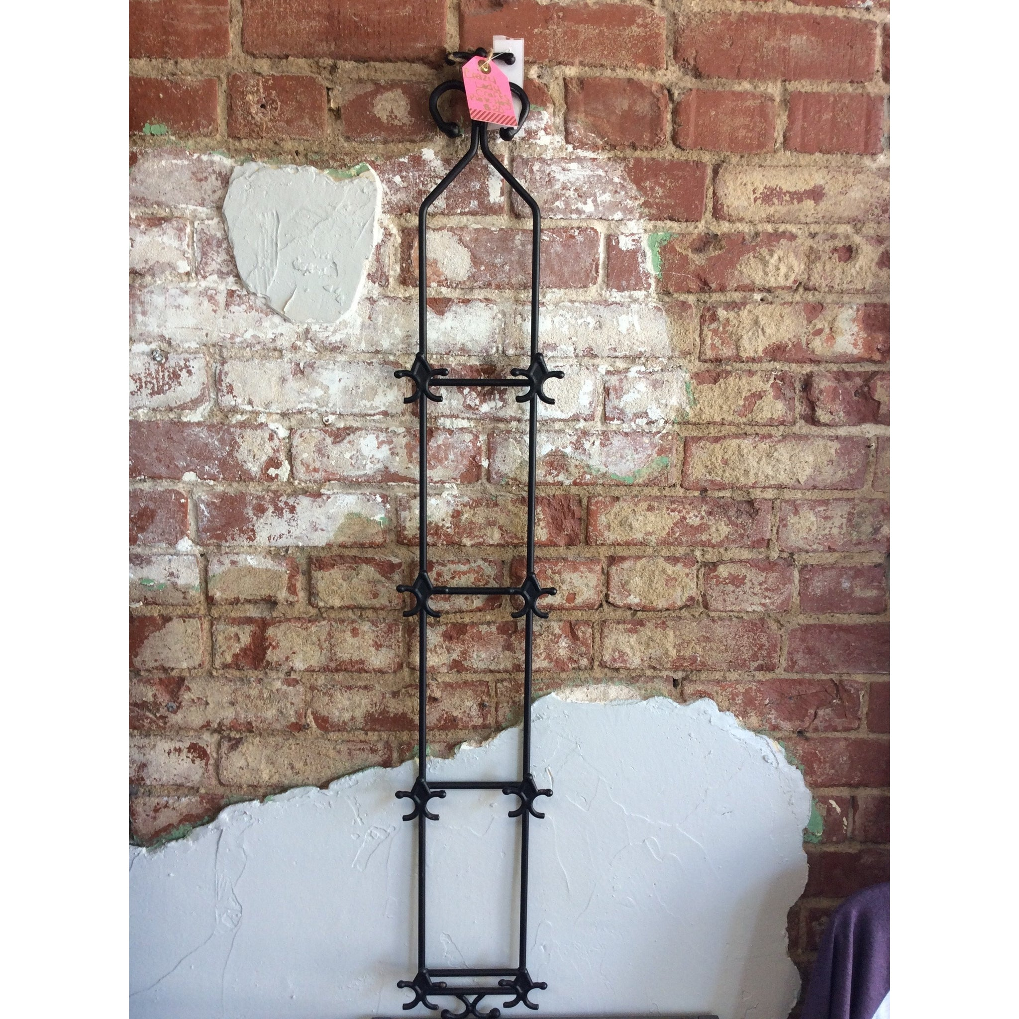 Black Wrought Iron Wall Plate Hanger