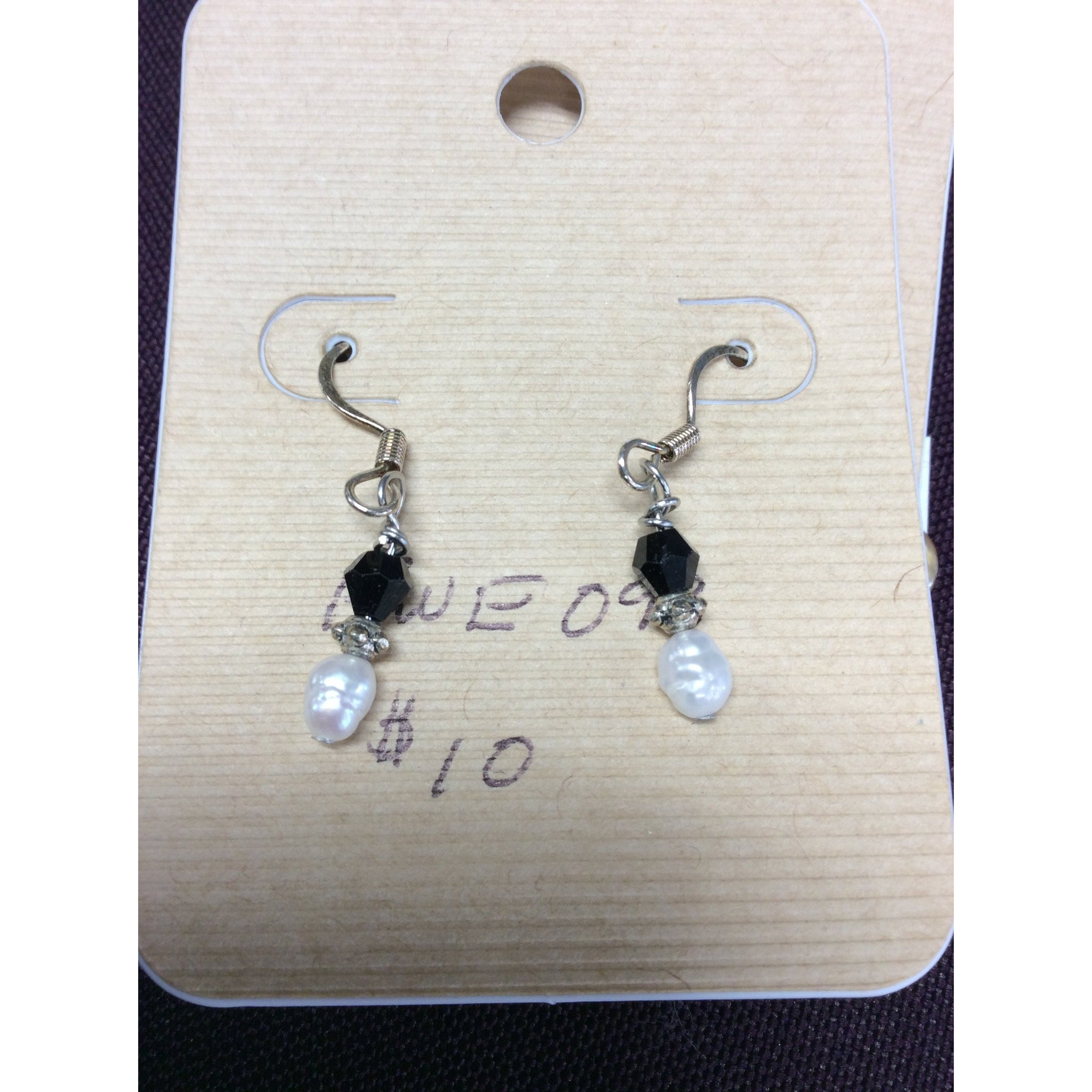 White Pearl and Black Bead Earring