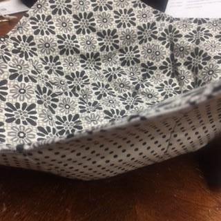 Bowl Cozy - Gray and Black Flower/White with Black Dots