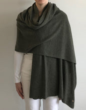 Load image into Gallery viewer, Green Cashmere Tulip Travel Wrap