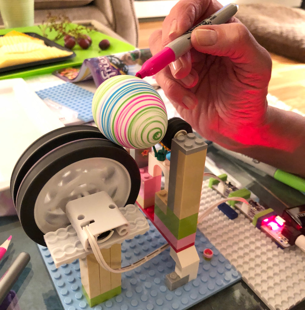 DIY EggMazing with littleBits and Legos