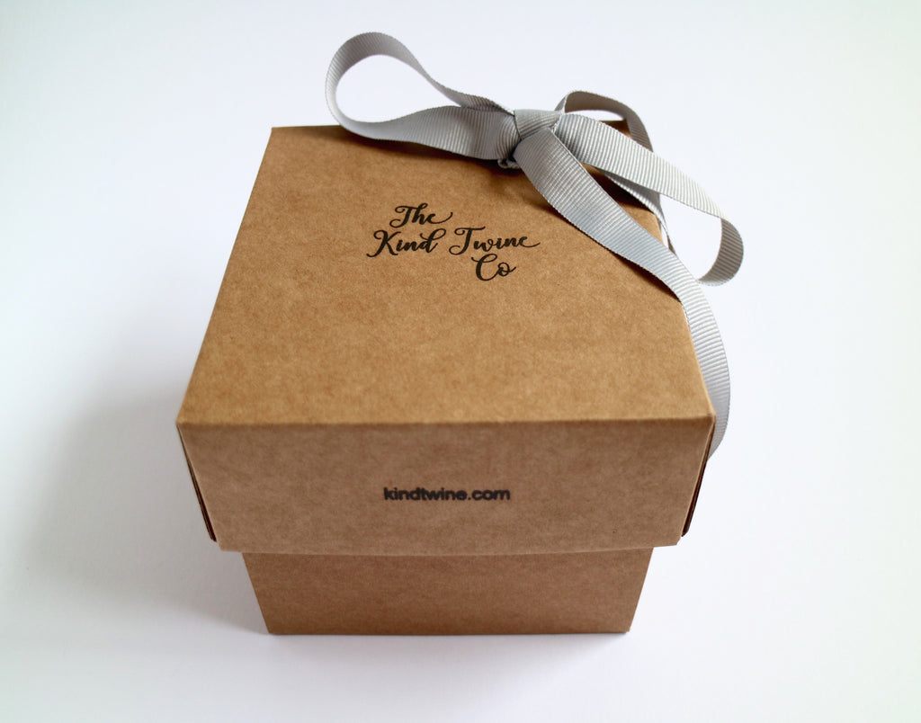 Gift box for send a smile or hug ireland and uk ribbon