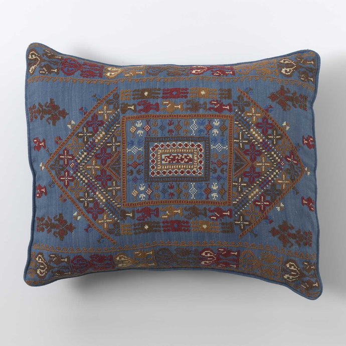 Symmetrical Square Cushion