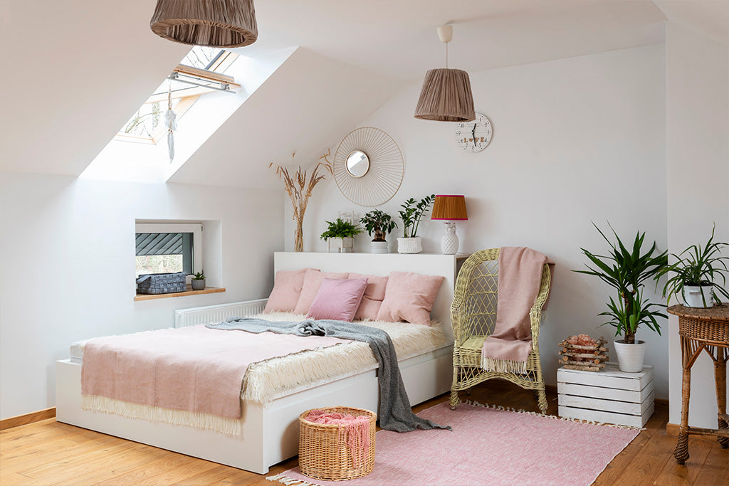 How To Decorate A Loft Bedroom   Puffy