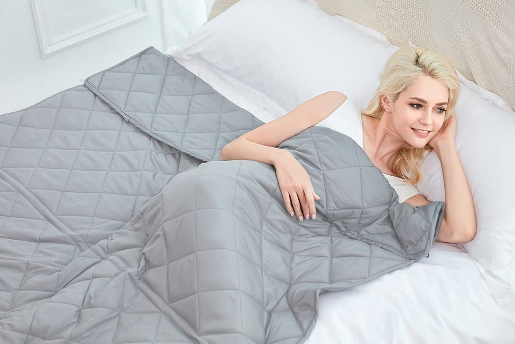 Plush Weighted Blanket | Puffy