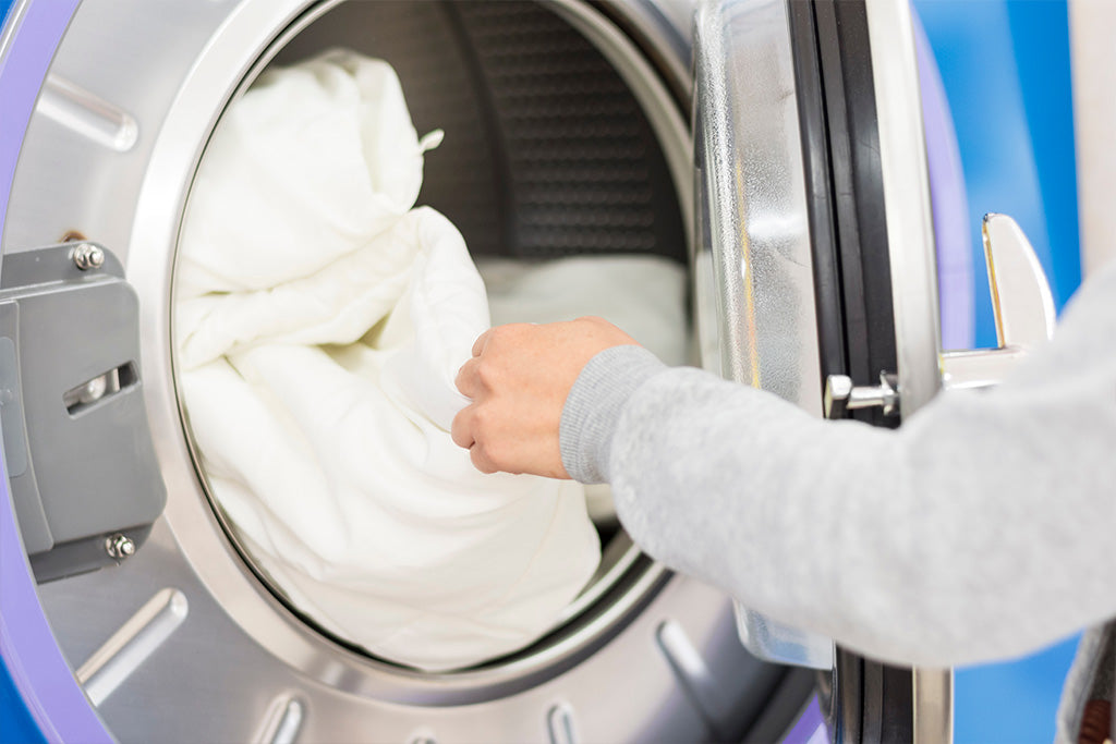 Can You Wash A Comforter? | Puffy