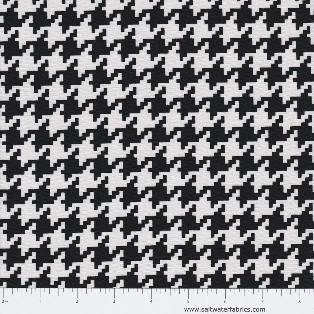 Everyday Houndstooth in Black