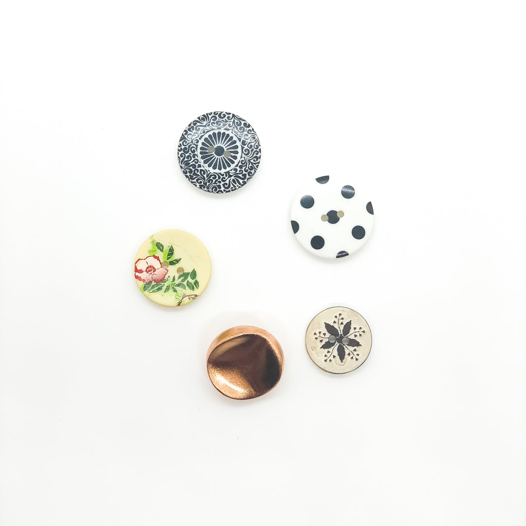 Button Pack in Vintage Finds