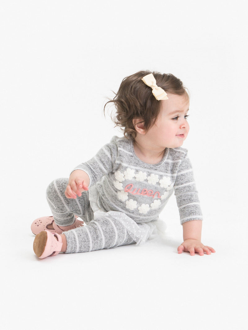 "COZY STRIPE 2PC SET FT. ""QUEEN"" APPLIQUE"