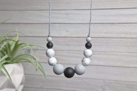 Sofia Silicone Teething Necklace - Ebony