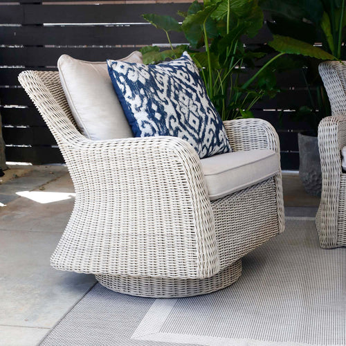 SAG HARBOR SWIVEL ROCKING LOUNGE CHAIR WITH CUSHIONS