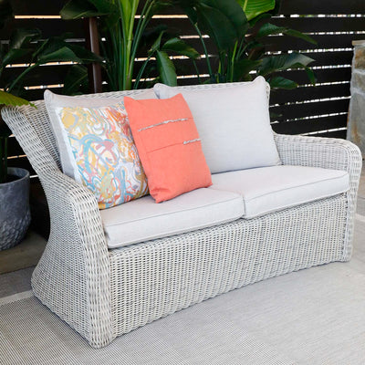SAG HARBOR SETTEE WITH CUSHIONS