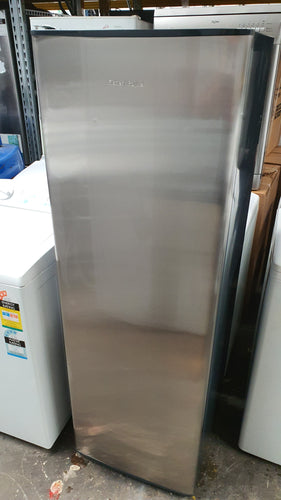 Fisher & Paykel 213L Upright frost free Freezer