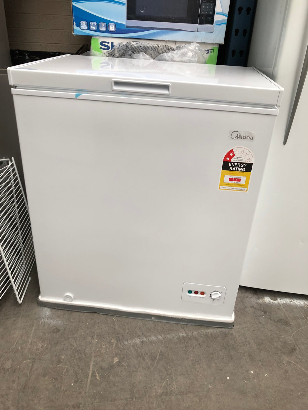 Midea 142L Chest Freezer - NEW Factory Second