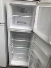 Westinghouse 202L Top Mount Refrigerator