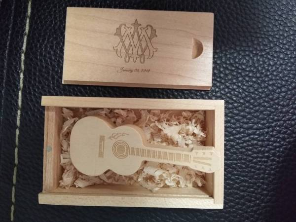 Wedding Gifts - Guitar Shaped USB Flash Drive