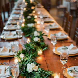 5 Ways To Decorate Communal Dining Tables