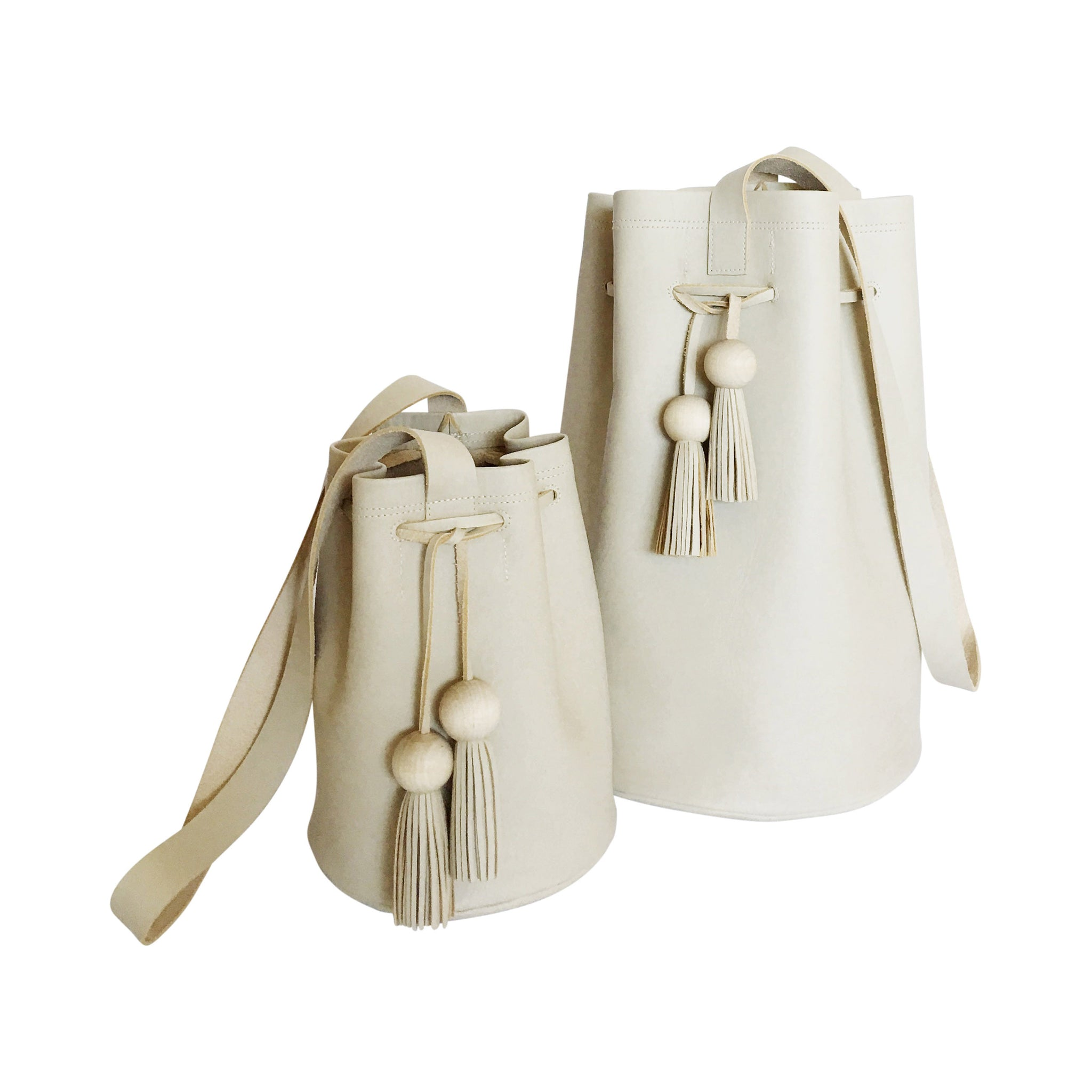 aw 17 | petite cinched bucket tote | beige