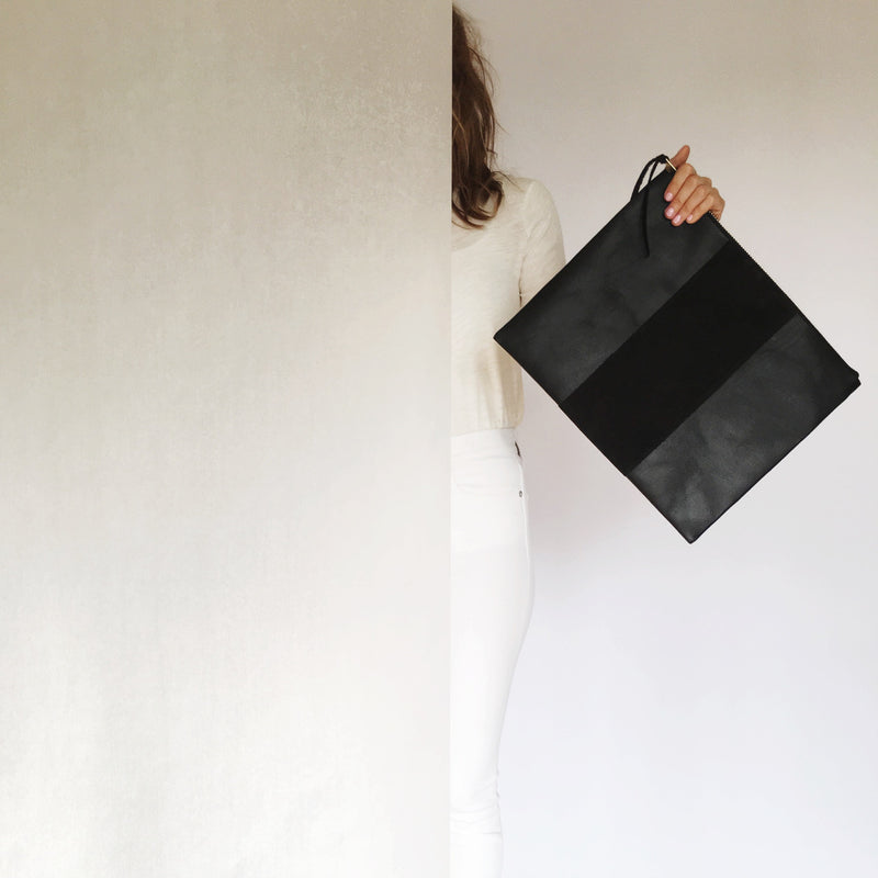 grande panel zippy clutch | black