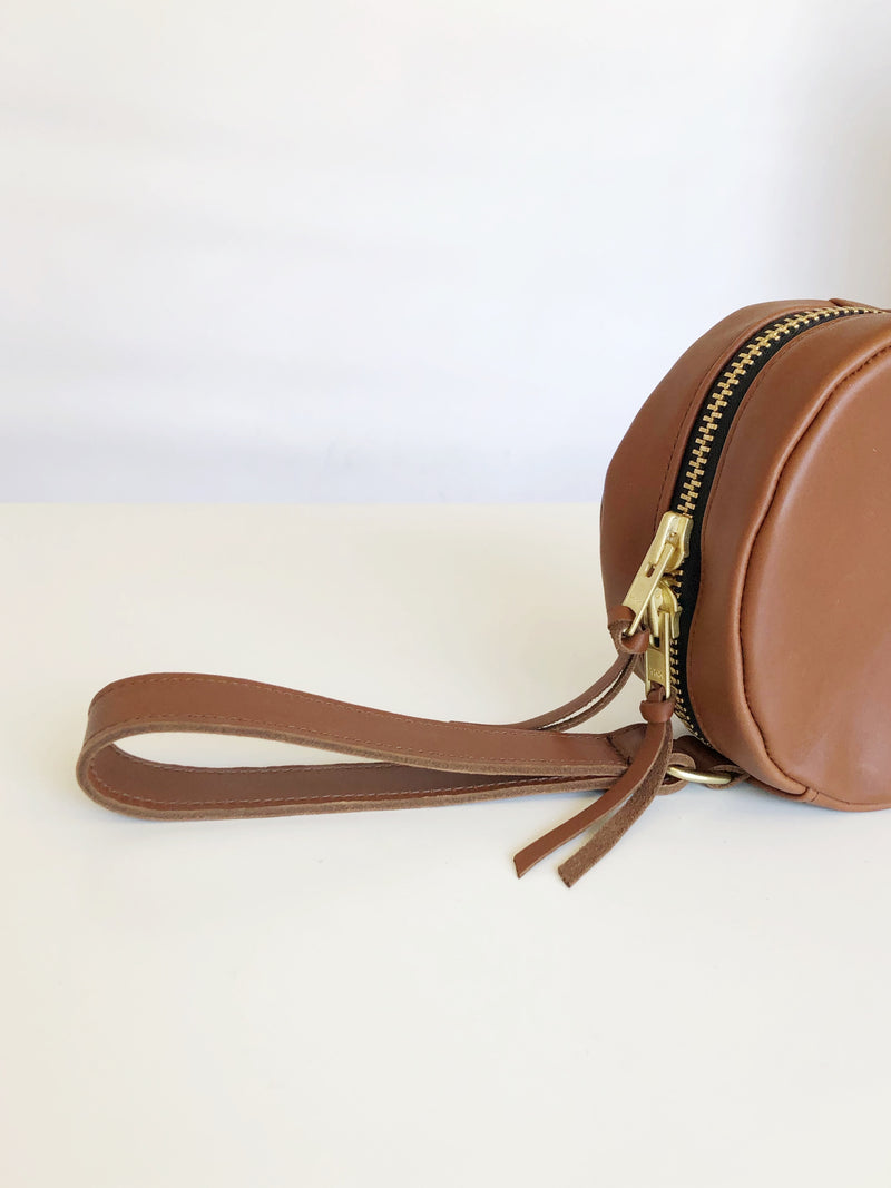 full moon wristlet | cognac