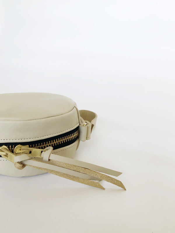 full moon wristlet | beige