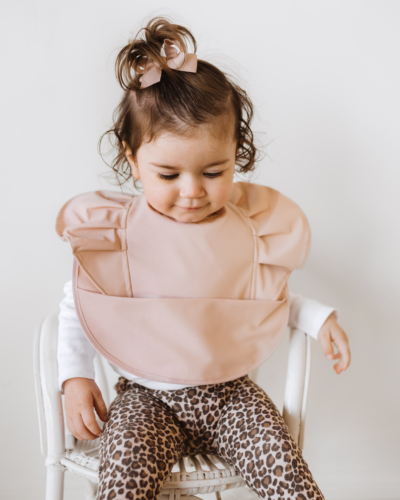 Snuggle Bib Waterproof | Nude