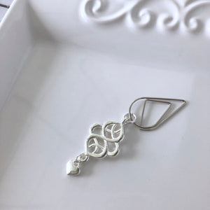 Simply Pretty Scrollwork Dangle Clip