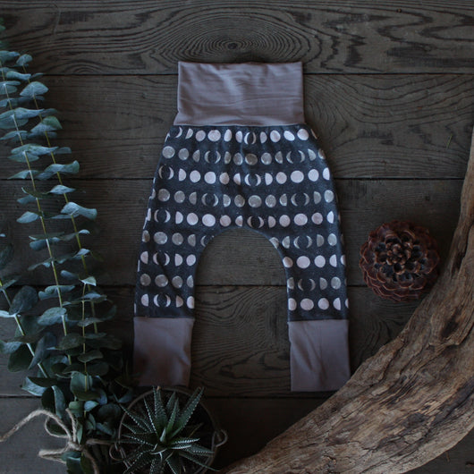 Grow With Me Pants - La Luna