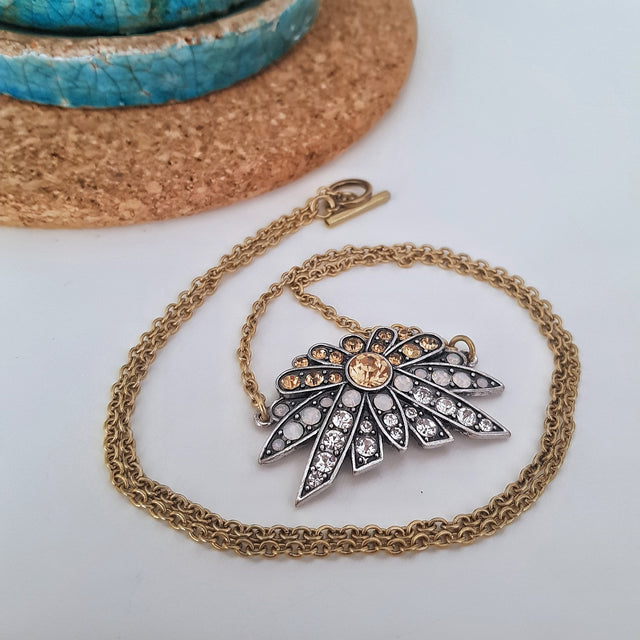 Gold retro pendant long necklace - Chubby Precious Accessories