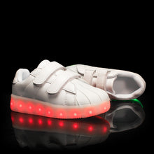 Load image into Gallery viewer, New Arrival Kids Light Up Led Shoes - White