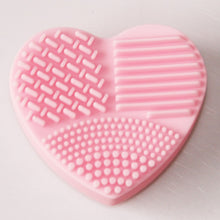 Heart Shape Clean Makeup Brushes - Mix Colors