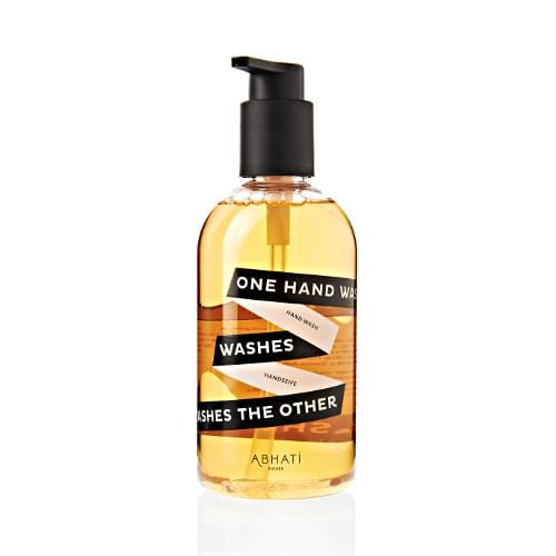 Jabón de manos 'One Hand Washes The Other' de ABHATI