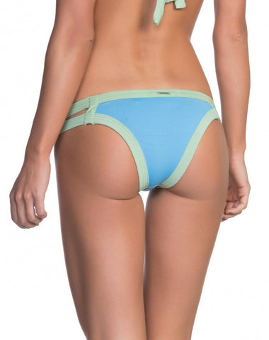 AMARO - Mint Blue Gap Bottom