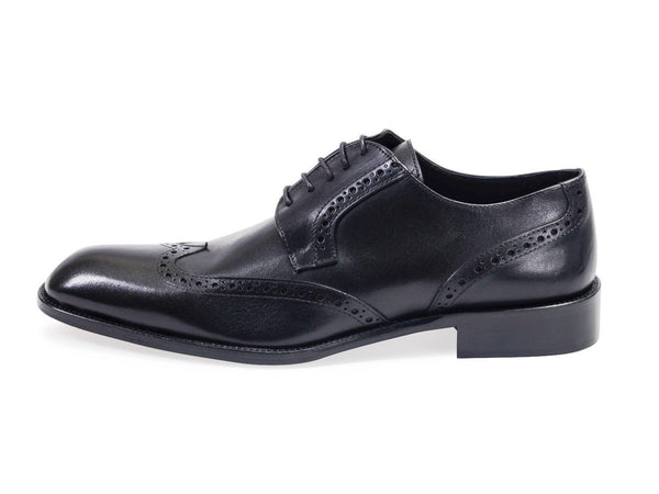 Calfskin Oxford Shoe With Brogue Detailing. Black