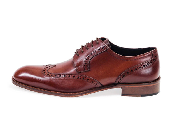 Calfskin Oxford Shoe With Brogue Detailing. Sudan Brown