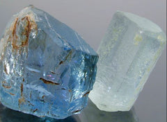 A stone of natural justice, Aquamarine utilizes compromise and negotiation, and gives quiet courage and clear reasoned words in confrontational situations.   Provides emotional and intellectual stability and clarity of mind. Aids self-expression, calms nerves, dispels intolerance and helps banish fears and phobias.