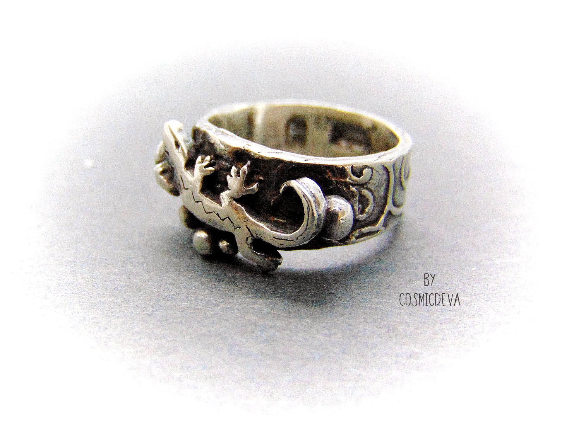 Lizard Gecko Sterling Silver Ring, Reptile Jewelry, US Size 6 Ring - CosmicDeva