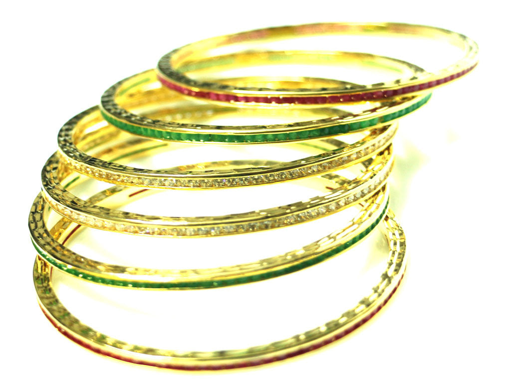 Set of 4 Multi colored bangles