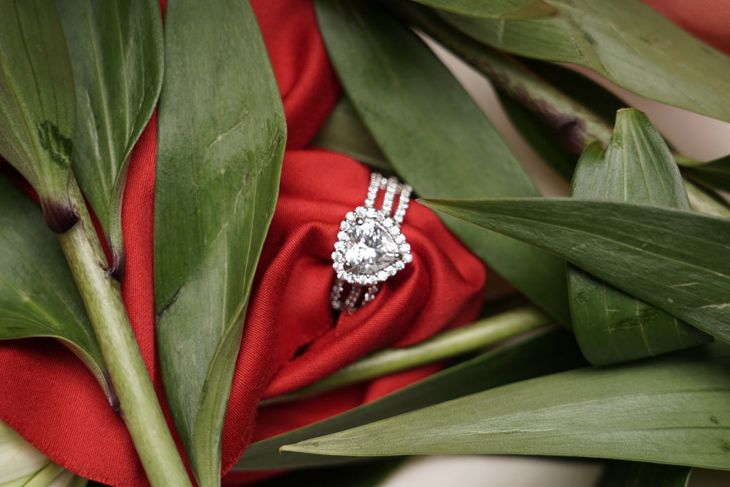 ring shop. elegant solitaire ring