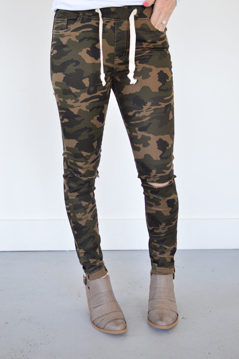 Adrienne Slit Knee Jogger | Camo - MOB Fashion Boutique