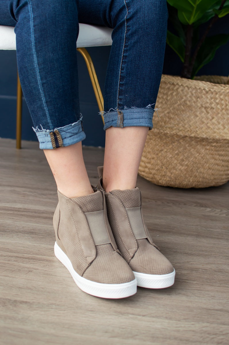 Zoey Wedge Sneaker | Taupe – MOB