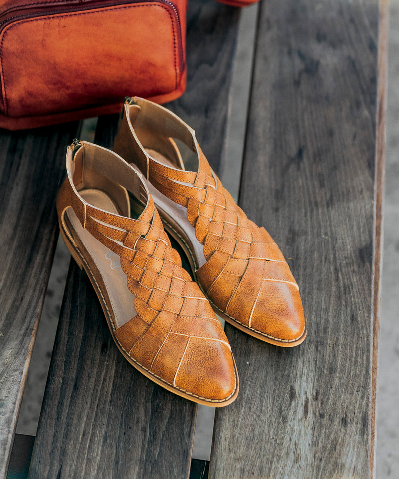Lincoln Braided Flats | Camel - MOB Fashion Boutique