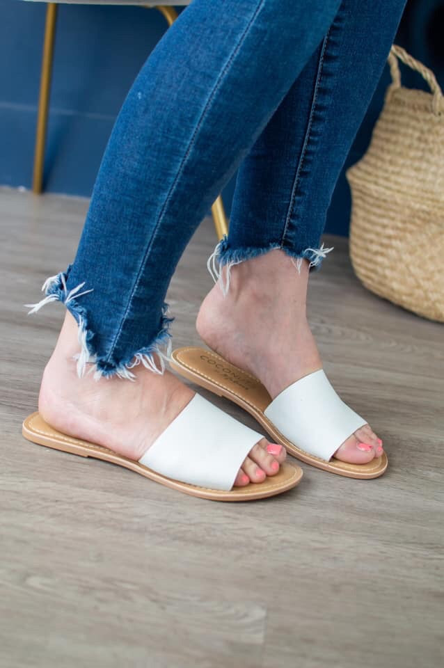 Summer Slides | White - MOB Fashion Boutique